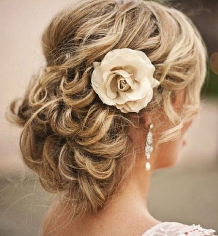 Best Bridal Hairstyles For Medium Hairs 003