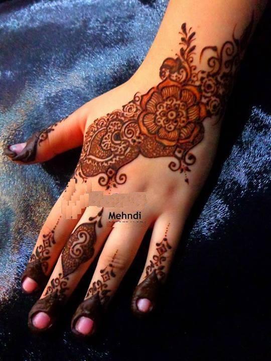 Simple Mehndi Designs For Girls 0014