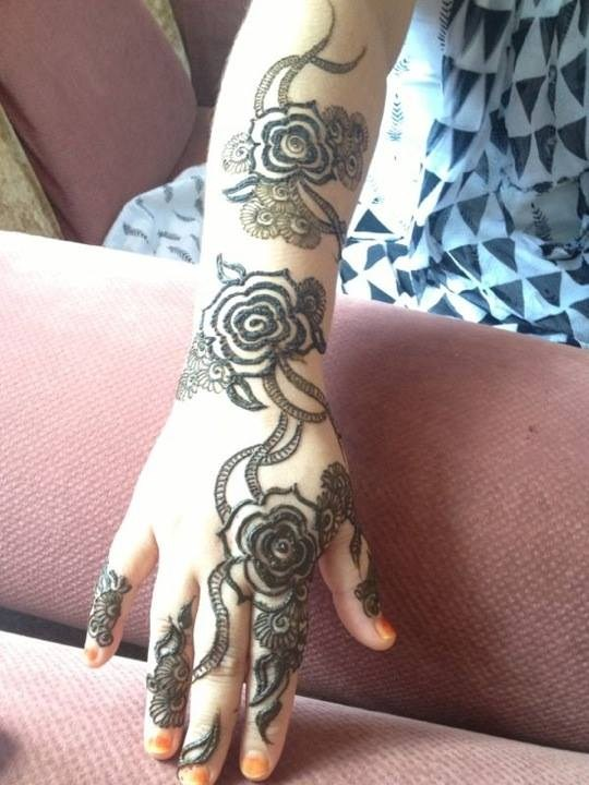 Simple Mehndi Designs For Girls 0017 Life N Fashion