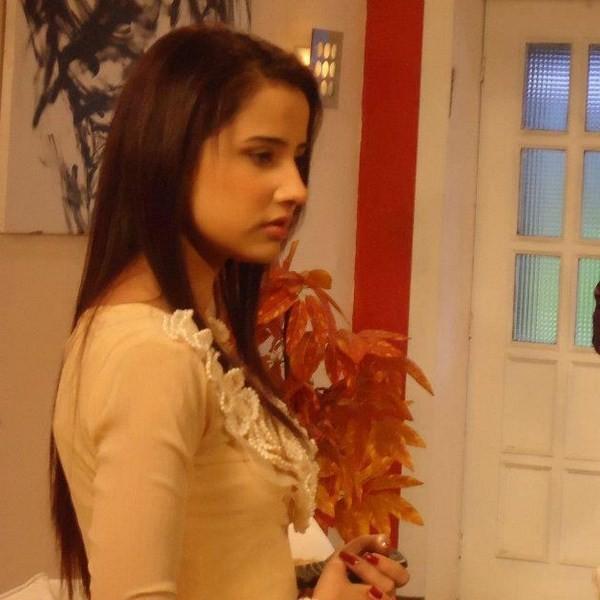 Actress Saniya Shamshad Biography And Pictures 2 Life N