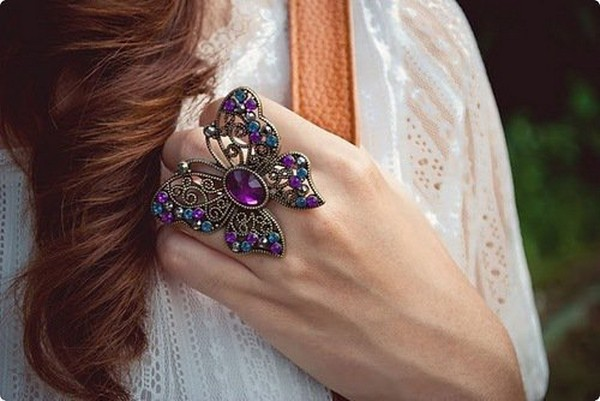 Latest Trend Of Big Artificial Rings For Girls 7