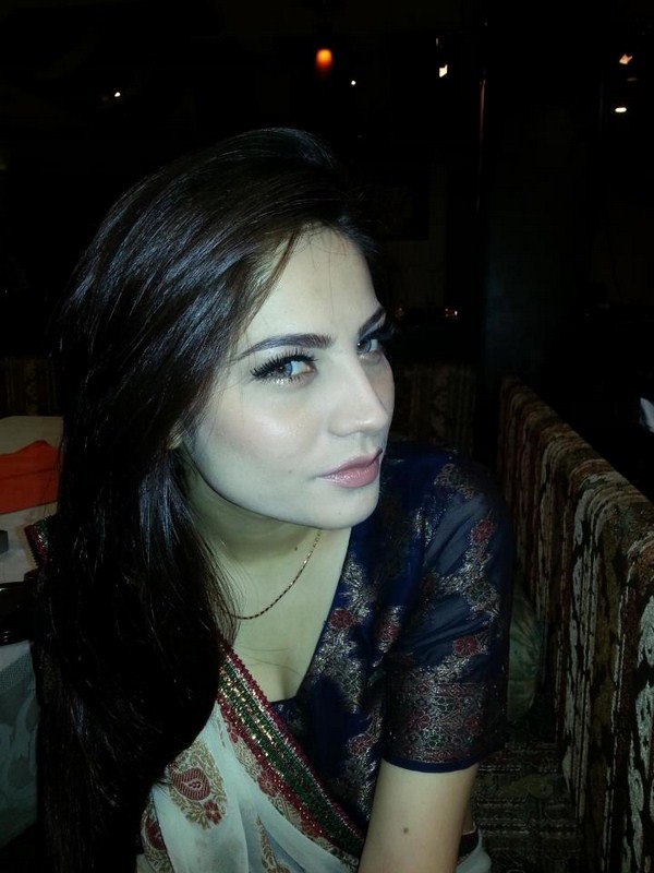 Neelam Munir Biography Profile And Pictures 005 Life N Fashion