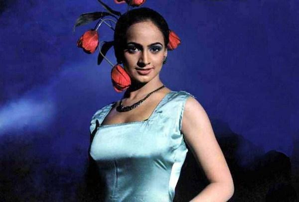 Pakistani Model Noor Biography 009 Life N Fashion