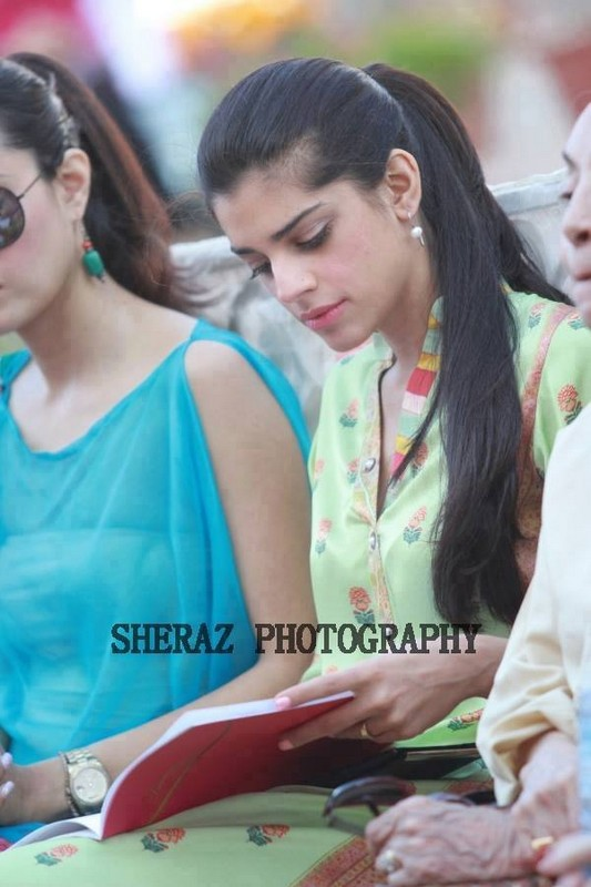 Model And Actress Sanam Saeed Biography 1 Life N Fashion