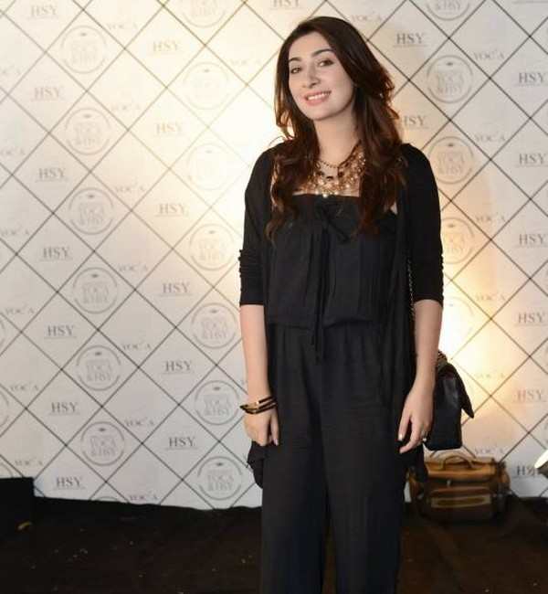 Pakistani Actress Ayesha Khan Biography And Pictures 4