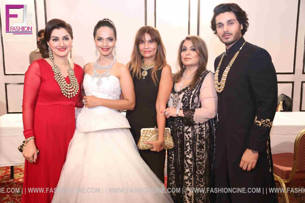 Damas Showcase New Jewellery Collection In Karachi 0012