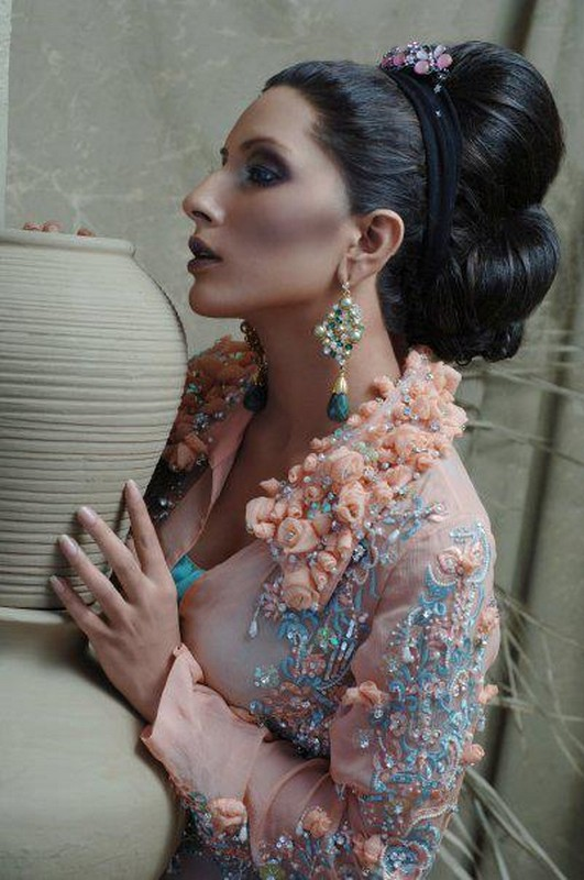 Model Uzma Khan Biography And Pictures 14 Life N Fashion