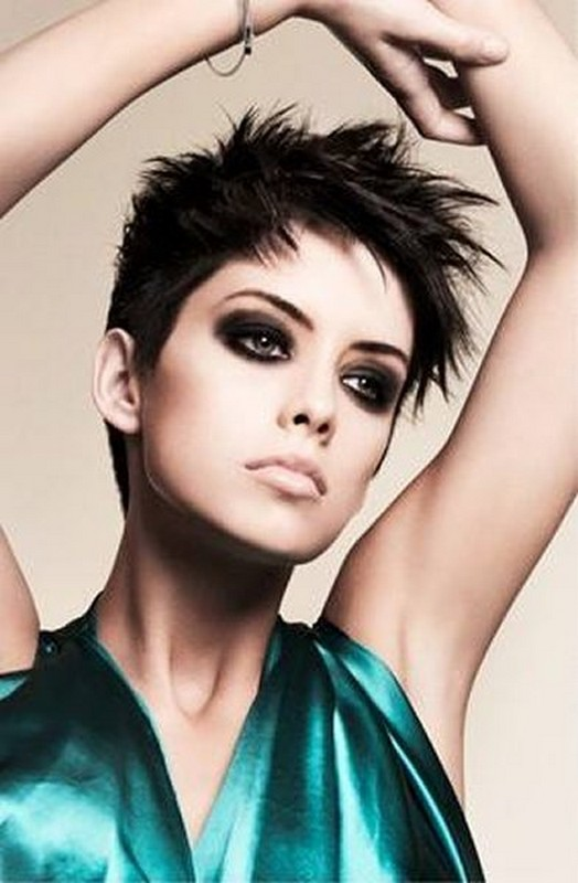 Trends Of Short Spiky Hairstyles For Girls 2014 3