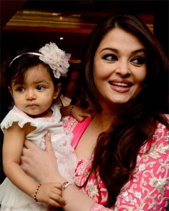Pictures Of Aishwarya Rai Bachchan Baby 001