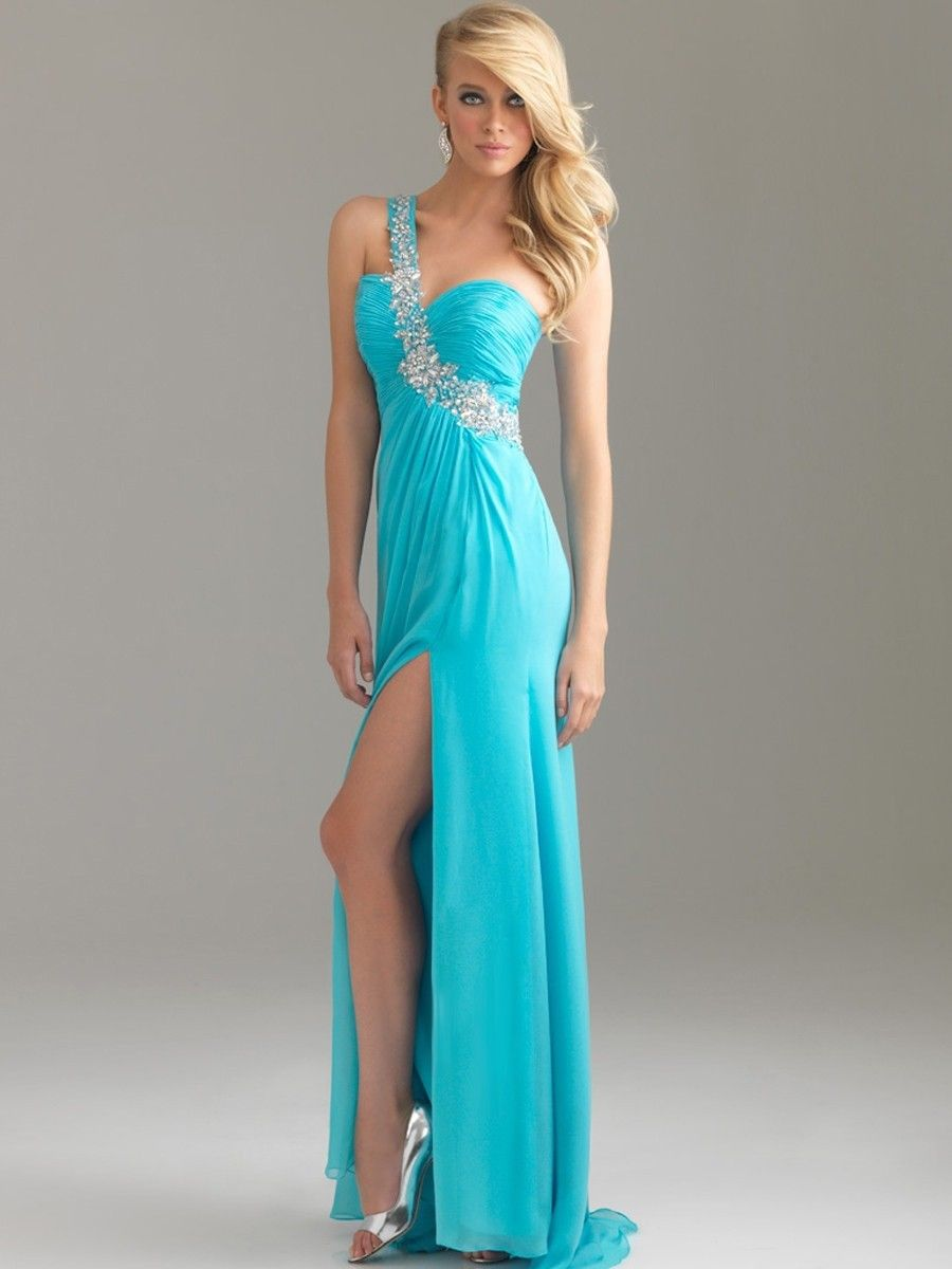 How To Buy A Prom Dress That Fit Your Body Style? - Life n Fashion
