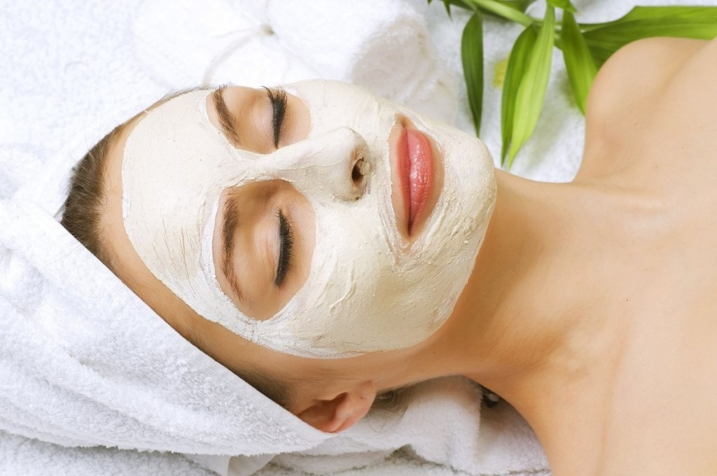 Best And Simple Homemade Face Packs For Glowing Skin