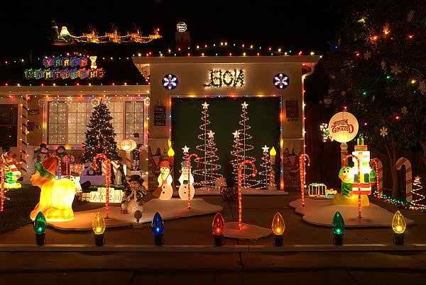 Latest Lawn Decoration Ideas 2014 For Christmas0010